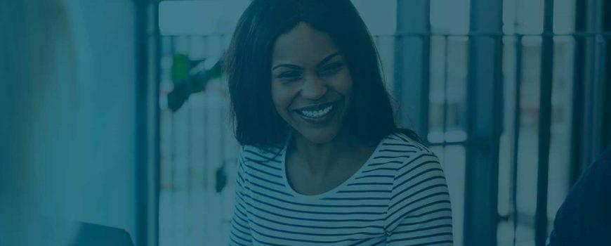 slide femme qui sourit Emexis
